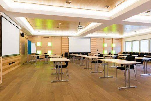 Klapptische für Konferenzen und Seminare